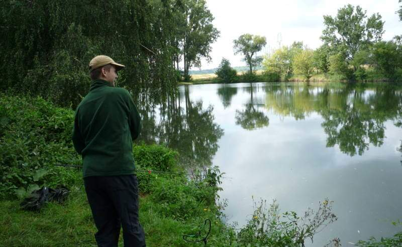 zdolávání ryby na feeder