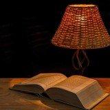kniha s lampou