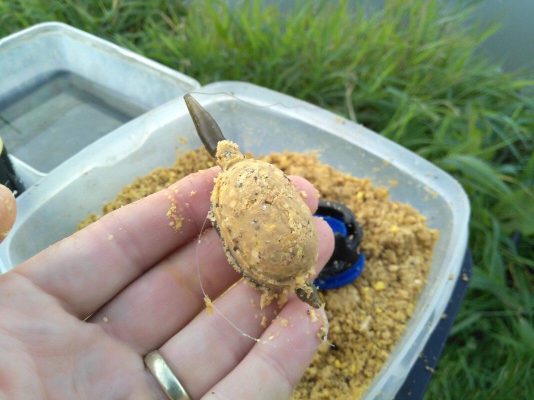 Method feeder s malým krmítkem